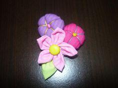 Manualidades y accesorios la hormiga. como hacer broches de flores para...
