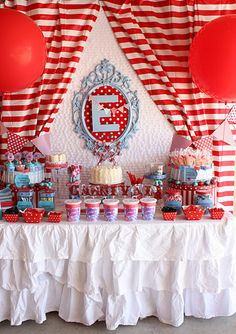 carnival-party-dessert-table