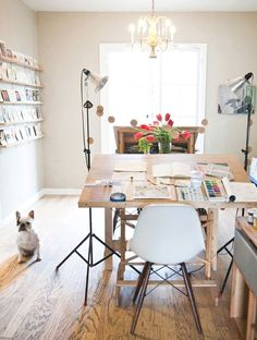 beautiful home offices - FROM: http://www.chictip.com/design-tips/inspiration-10-beautiful-home-offices#