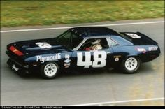 1970 Plymouth Cuda AAR Trans Am Race Car 2005  - http://sickestcars.com/2013/05/11/1970-plymouth-cuda-aar-trans-am-race-car-2005/