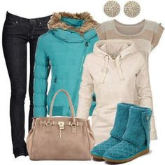These blue UGG Latice Cardy are a great addition to this winter outfit!