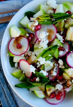 Spinach and Apple Salad | giverecipe.com | #salad #apple #spinach #radish #healthy #vegetarian
