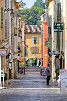 Rue Grande (the big street) in Valbonne