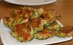 brocolli cakes- works with frozen brocolli