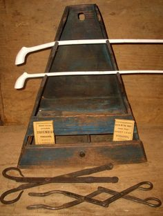 18TH / EARLY 19TH C TREEN PIPE TOBACCO BOX OLD BLUE PAINT OVER OLD RED