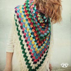 tutti multi colorati štvrtý   fler.cz #crochet #grannysquare #shawl