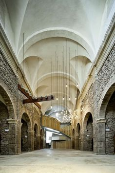 In the small town of Santpedor, Spain, David Closes Architects converted The 18th century Sant Francesc Convent Church into an auditorium and a multifunctional cultural facility.