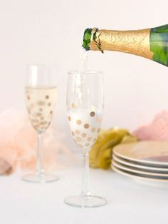 DIY Polka Dot Champagne Glasses