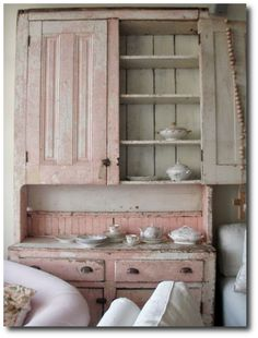 Shabby Chic Style, Rachel Ashwell, White Decorating, Shabby Chic Decorating, Distressed Furniture, Cottage Style, Flea Markets