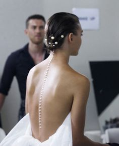 A line of pearls. Chanel//