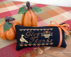 Stitching Dreams- freebie- Give Thanks from My Heartstring