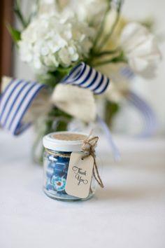 Cute blue candy in glass jars #primpwedding