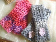 Free Wrist Warmer pattern – early Christmas gift! | Crochetology.net