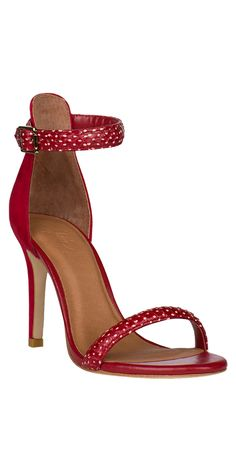 Polka dotted shoes? Yes, please!
