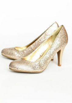 holiday parties, party shoes, sparkly shoes, glitter shoes, gold heel