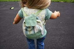Arts and Crafts for your American Girl Doll: Small Backpack for American Girl Doll
