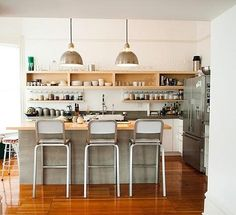 simple California-style kitchen