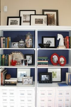 Emily Clark's tutorial on book case styling ~~~