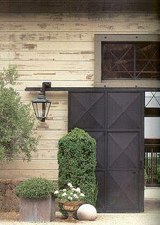 Faceted barn door