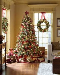 Christmas Tree & Window Wreaths