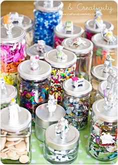 spray painted jar lids (save those salsa and pickle jars!) --teacher gifts, kids room, craft supplies, holidays, etc.