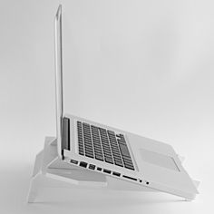 Stukk - A modular laptop stand born from