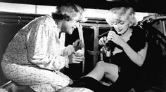 Some Like It Hot (1959) | 31 Black-And-White Movies Every Twentysomething Needs To See