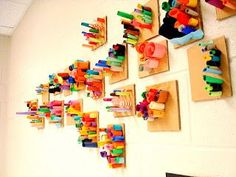 art actually: paper sculptures by kindergarten and first graders! Finally a 3D project for the little ones!