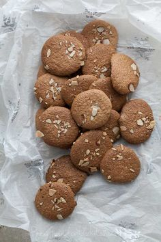 Crunchy Almond Cookies on gourmandeinthekitchen.com paleo Amaretti Thins | Crunchy Almond Cookies (Gluten Free, Grain Free, Paleo Friendly) use sf sweetner for low carb