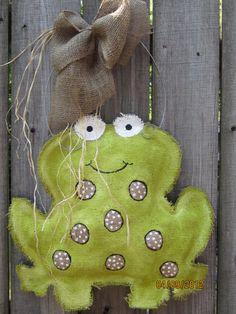 Burlap Door Hanger Frog by nursejeanneg on Etsy, $28.00