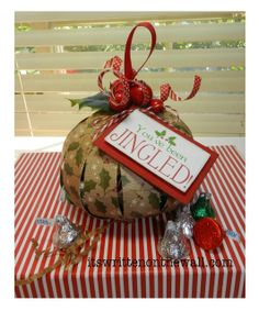 DIY-paper candy filled christmas ornament.