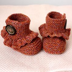 I love these knit baby booties! So cute!!