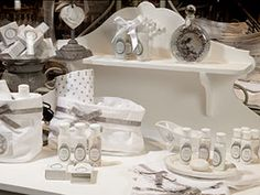 Mathulde m on pinterest boutiques arabesque and shabby chic - Meuble mathilde m ...