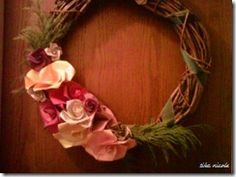 ♥  origami roses on grapevine wreath