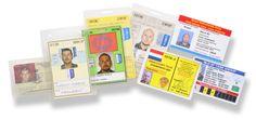 De vele ID-cards geven een mooi beeld van de jonge marinier Kroon tot en met eerste luitenant der commando's Kroon: van links naar rechts zijn Mariniers-ID (1989-1993), IFOR-ID (Joegoslavie 1996) , twee SFOR-JCO ID's (over elkaar liggend. Joegoslavie 2000), SFOR-ID (Joegoslavie 2003), SFIR-ID (Irak 2004), twee OEF-ID's (credit-card formaat. Afghanistan 2005).