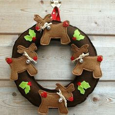 doors, christmas wreaths, kid bedrooms, felt christmas, christma craft, reindeer wreath, craft ideas, christmas ideas, diy christmas crafts