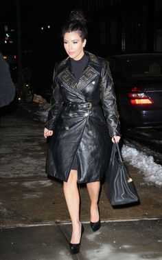 KIm-Kardashian-Versace-for-H-1