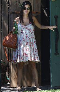 Pregnant Rachel Bilson in a flowy dress and flats (well, flip-flops)