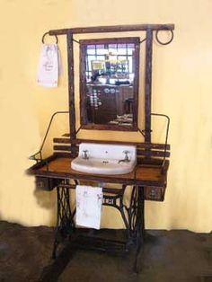 necesito ideas para pie de maquina de coser antigua | Hacer bricolaje es facilisimo.com