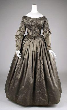 Dress 1840s