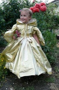 Déguisement : manteau de princesse Trianon - Princess Trianon mantle