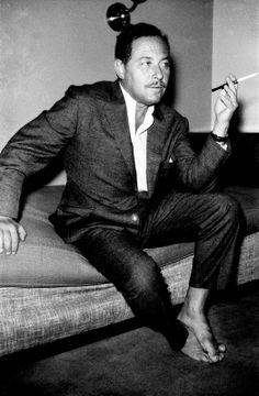 Tennessee Williams in Istanbul, 1954. [Credit : Ara Güler]