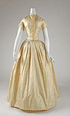 American silk dinner dress 1841-46