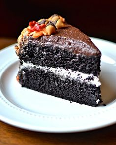 Classic Devil's Food Cake with Buttercream Frosting | #glutenfree