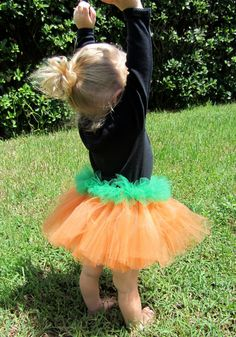 I think I  will be making these for the girls at the pumpkin patch this fall! :-)