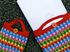 So, she used Sara's pattern for the boutique bag (Tangled Happy) and kept going to make an ereader bag and a laptop bag!