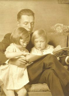 +~+~ Antique Photograph ~+~+  Touching photograph of a Father reading to his girls.