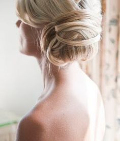 bun - beautiful. sadly i don't think i have enough hair for this.