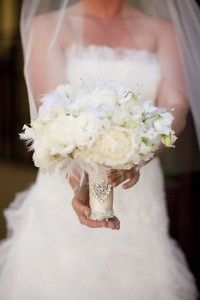 Bridal bouquet with feathers