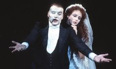 Michael Crawford and Sarah Brightman in Phantom of the Opera